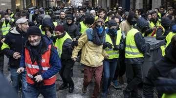 84 000 души на деветия протест на жълтите жилетки във Франция