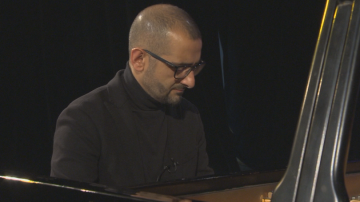 Джаз пианистът Живко Петров представя с концерт новия си албум