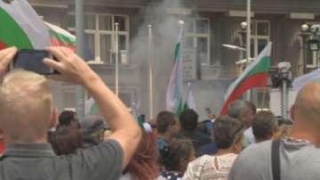 След протеста пред МС: Уволнение на зам.-министър и разделение при животновъдите