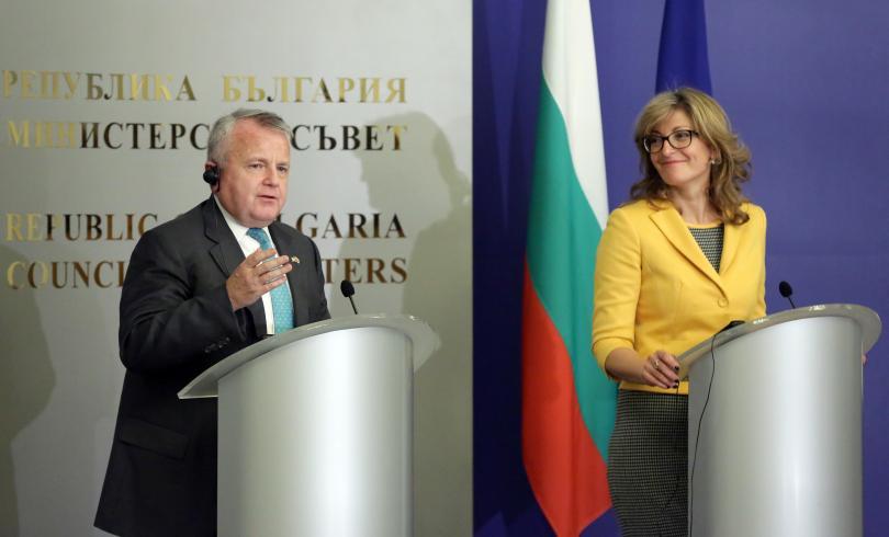 Американският заместник- държавен секретар Джон Съливан е на двудневна визита