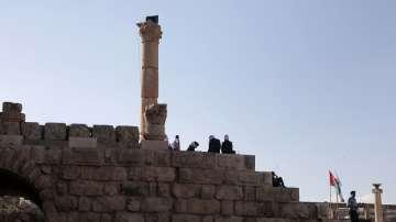 Мъж нападна с нож туристи в Йордания