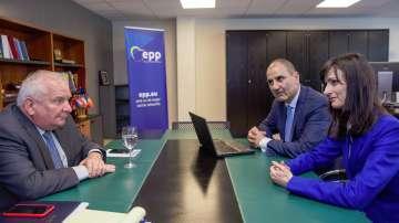 Шефът на ЕНП Жозеф Дол: Правителството на Борисов работи на пълни обороти
