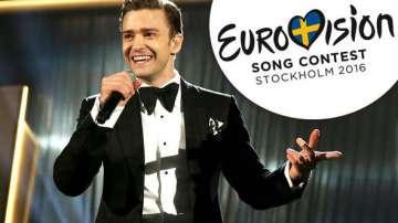 Джъстин Тимбърлейк пее на една сцена с Поли Генова на Евровизия
