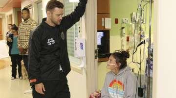 Джъстин Тимбърлейк посети пациентите на детската болница в Сан Антонио