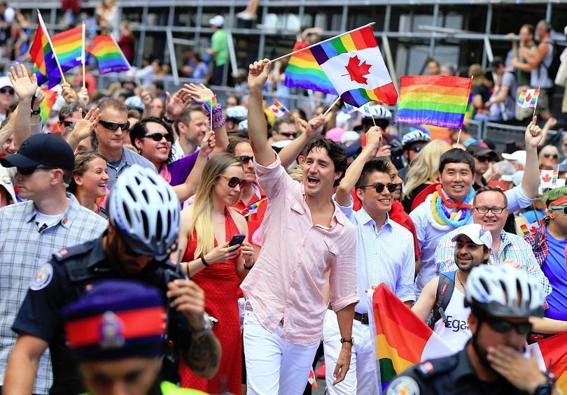 канада проучва възможността вписване неопределен пол личните карти