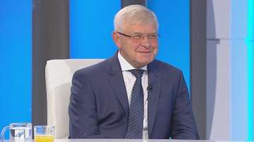 Кирил Ананиев: Никой български гражданин няма да бъде лишен от лечение