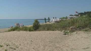 Започват огледи на свлачището, което затвори част от пътя към плаж Кабакум