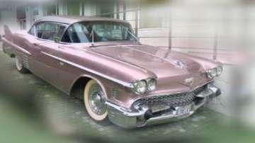 Кадилакът на Елвис Пресли паркира в Елхово