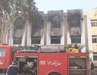 Снимка: Двама полицаи загинаха при взрив на бомба в Кайро