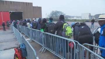 Започна евакуацията на лагера Джунглата в Кале