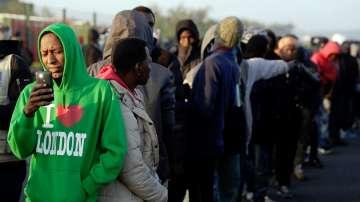 Продължава напрежението в бежанския лагер край Кале