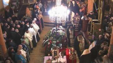 Стотици миряни и духовници изпратиха митрополит Калиник