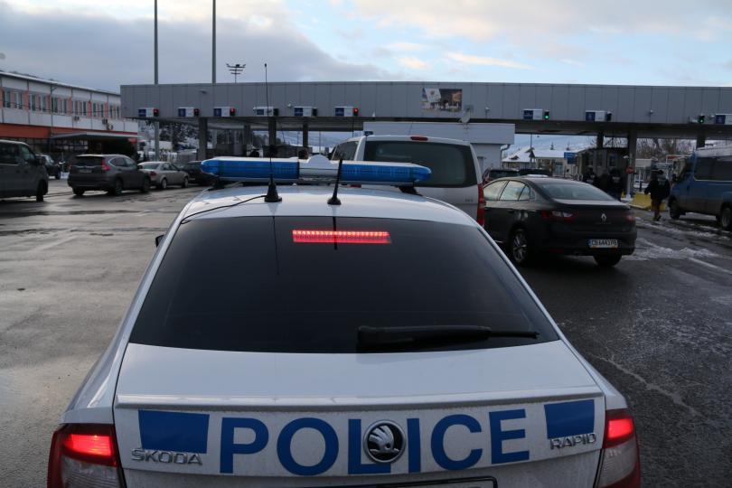 Арести на митничари и гранични полицаи на граничния пункт