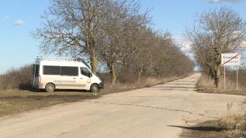 Задържаха 13 души при полицейска акция във варненското село Каменар