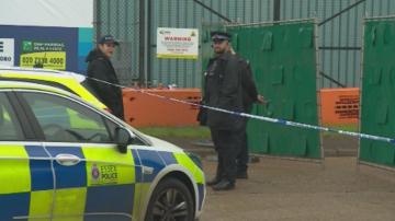 Още двама задържани по случая с камиона-ковчег в Есекс