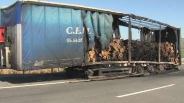 Камион се запали на автомагистрала Струма край Мурсалево