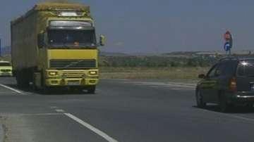 Забраната за движение на камиони влезе в сила от днес