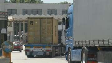 Шофьори недоволстваха срещу опашките от камиони на пункта Кулата-Промахон