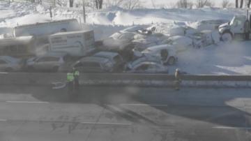 Верижна катастрофа с около 200 коли в Канада, най-малко 60 са пострадали