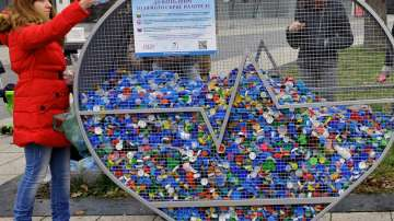 Започнаха кампания за събиране на капачки в Бургас