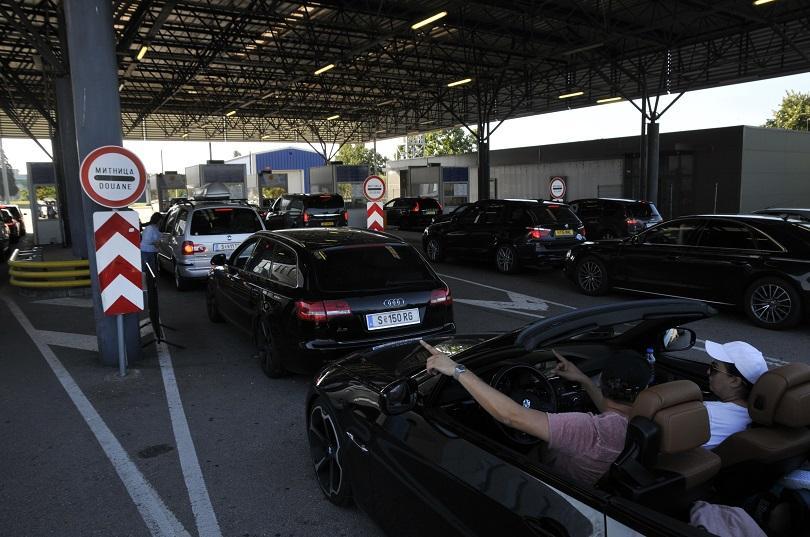 Над 10 000 превозни средства са преминали през ГКПП