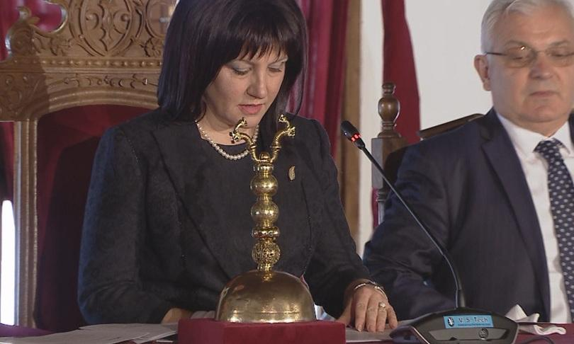 Цвета Караянчева: Те бяха титаните, ние сме смирени наследници