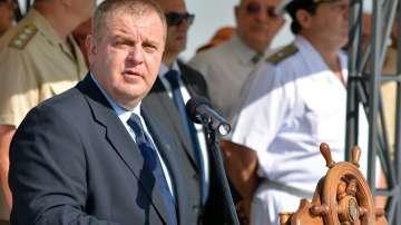 Каракачанов: Преговорите за увеличение на заплатите са в напреднал етап