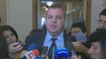 Според Каракачанов България може да избере да ремонтира сегашните самолети