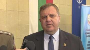 Каракачанов предлага социална кошница с основни храни след поскъпването на хляба