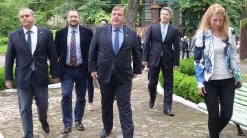 Каракачанов: България няма ясна концепция за работа с общностите си в чужбина