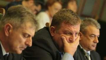 Военният министър Каракачанов беше изслушан в Комисията по отбрана към НС