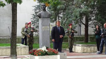 Каракачанов коментира проектите за модернизиране на българската армия