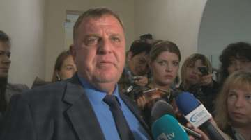 Каракачанов поиска по-строги мерки срещу футболното хулиганство