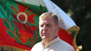 Каракачанов отново поиска приемането на концепцията му за интеграцията на ромите