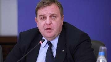 До понеделник Каракачанов внася Концепцията за ромите в МС