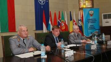 Каракачанов и ген. Боцев поздравиха българските контингенти зад граница за 6 май