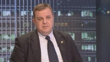 Каракачанов: В момента няма законово основание сделката с ЧЕЗ да бъде спряна
