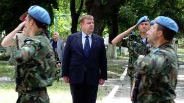 Каракачанов: Темата за наборната военна служба е отворена