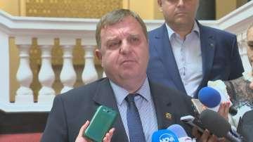 Каракачанов: Отношенията между коалиционните партньори са прекрасни