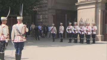 За Деня на Съединението: Тържествена смяна на почетния гвардейски караул