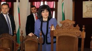 Цвета Караянчева: Президентът не се държи като обединител на нацията