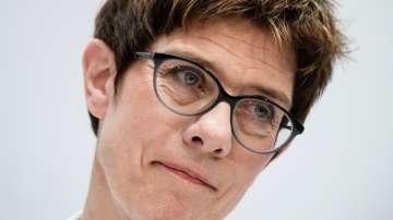 Анегрет Крамп-Каренбауер ще бъде новият министър на отбраната на Германия