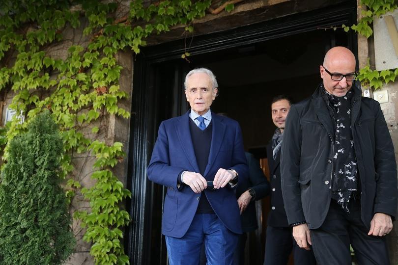 Хосе Карерас пристигна в София. Концертът в Арена Армеец, в