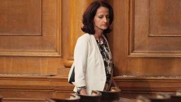 Парламентът освободи Карина Караиванова като председател на КФН