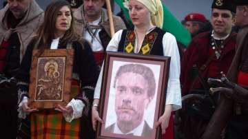 Стотици почетоха в Карлово паметта на Васил Левски