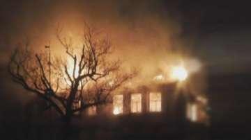 Разследват причините за пожара в училището в Карнобат
