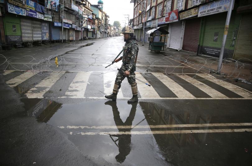 Напрежението между Пакистан и Индия нараства след отнетия специален статут