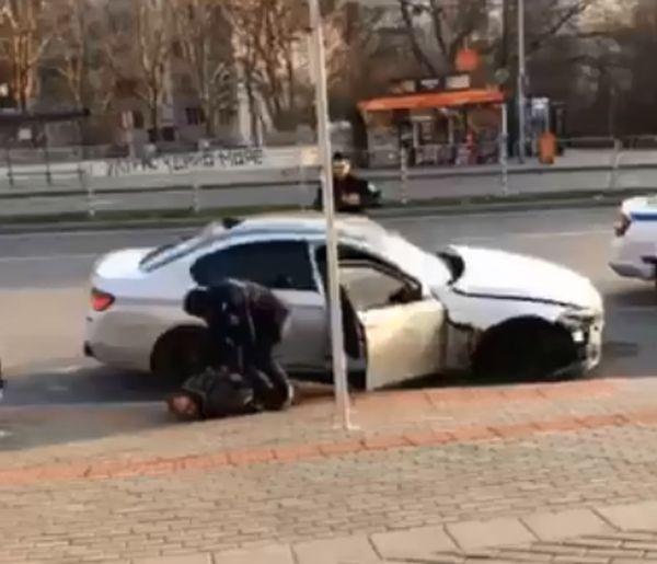 В ареста започна новата година във Варна за двама мъже,