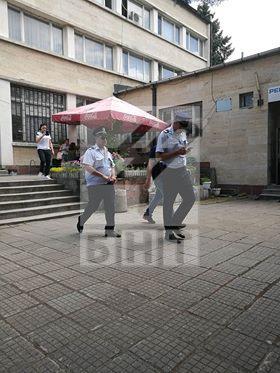 снимка 2 Арести в КАТ-Благоевград. Задържан е и директорът на Пътна полиция