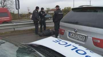 Полицаи заловиха автокрадец след гонка в София